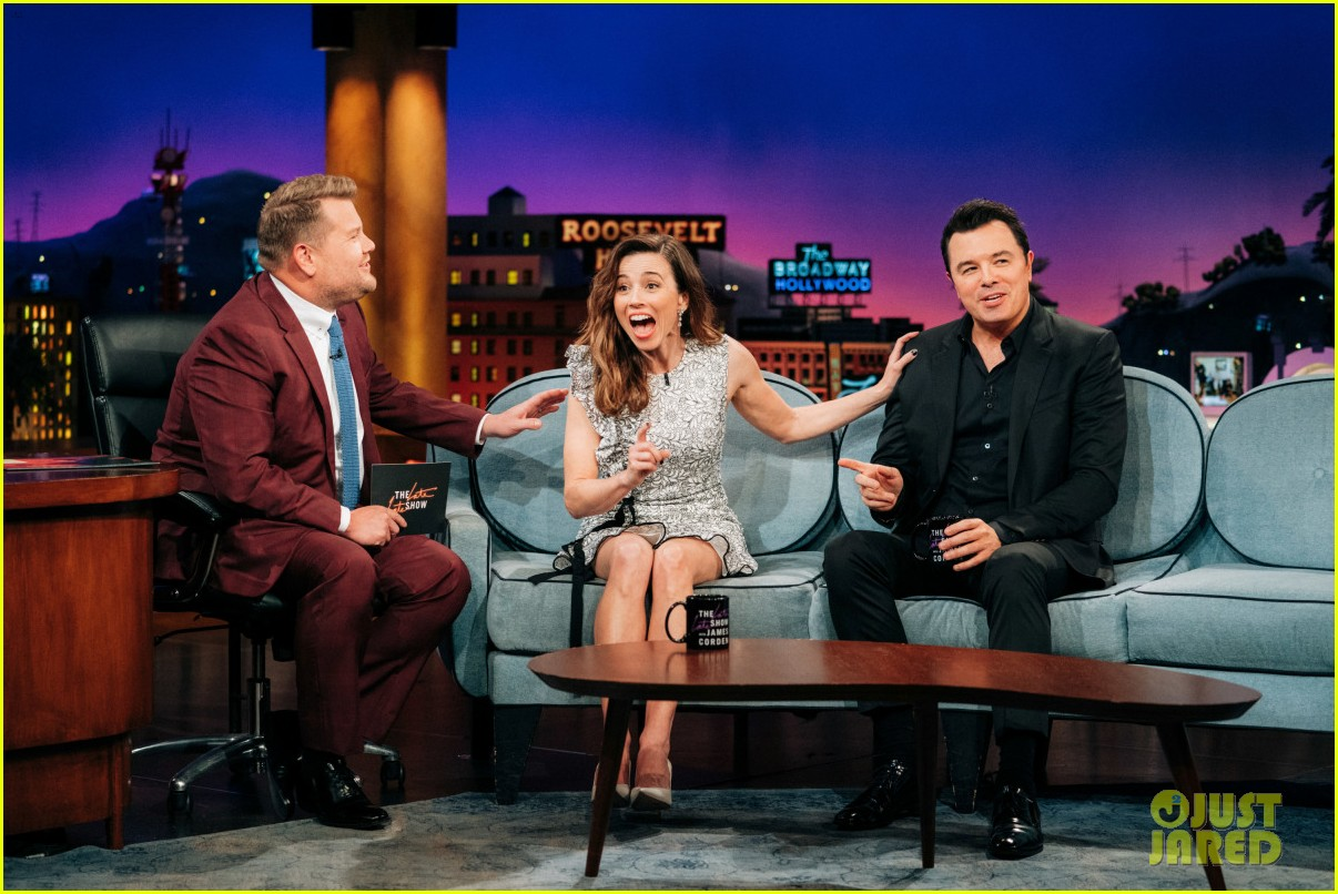 linda cardellini talks getting fired from family guy sitting next to seth macfarlane 04