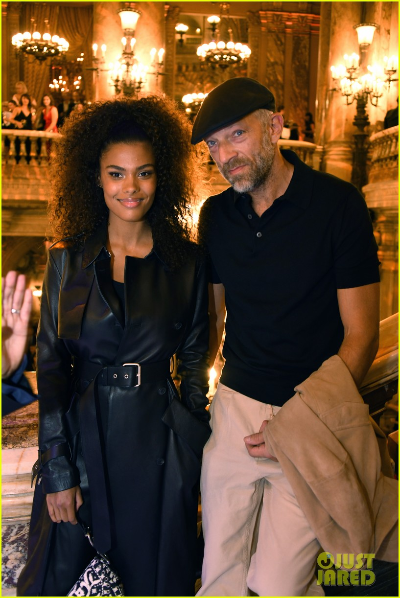 vincent cassel wife tina kunakey gives birth 014275446
