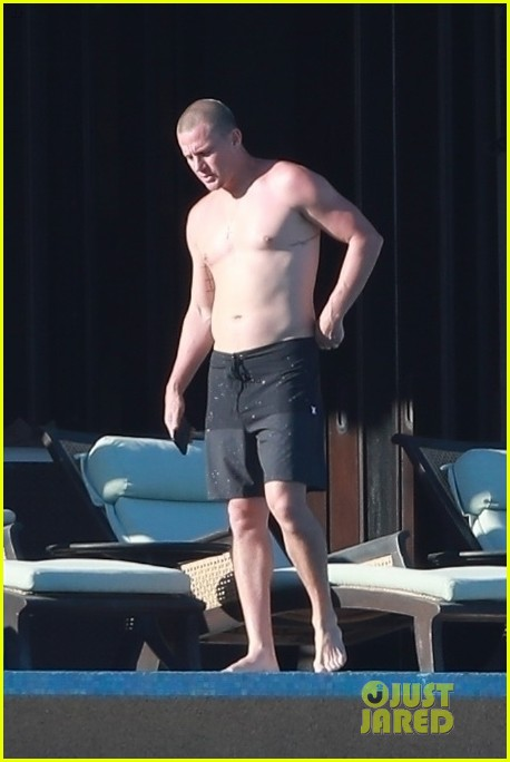 channing tatum goes shirtless during vacation 05