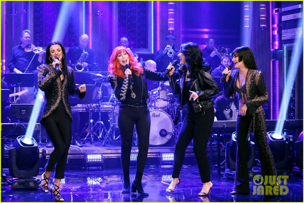 cher turns tonight show into the cher show plays lip sync karaoke 01