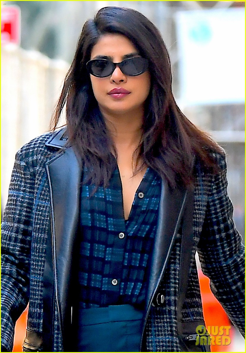 priyanka chopra steps out in nyc after night out with jonas brothers 02