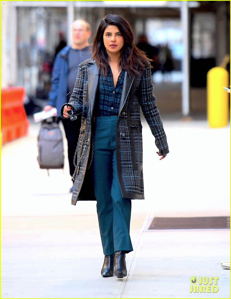 priyanka chopra steps out in nyc after night out with jonas brothers 03
