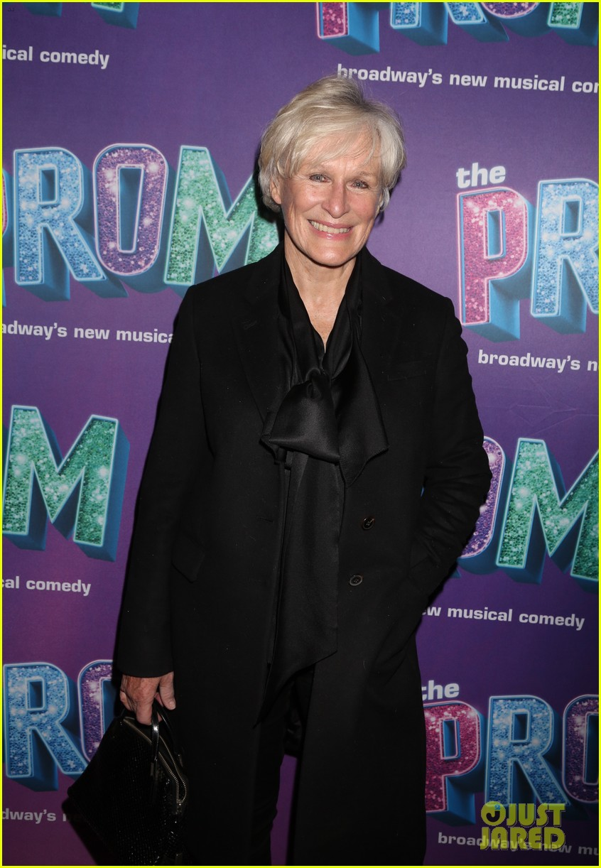 glenn close dianna agron celebrate the prom ryan murphy benefit performance 14