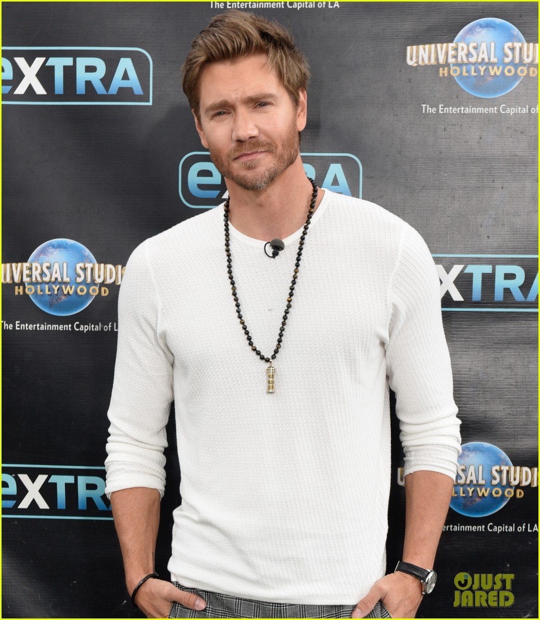 chad michael murray at extra with sarah roemer 024274070