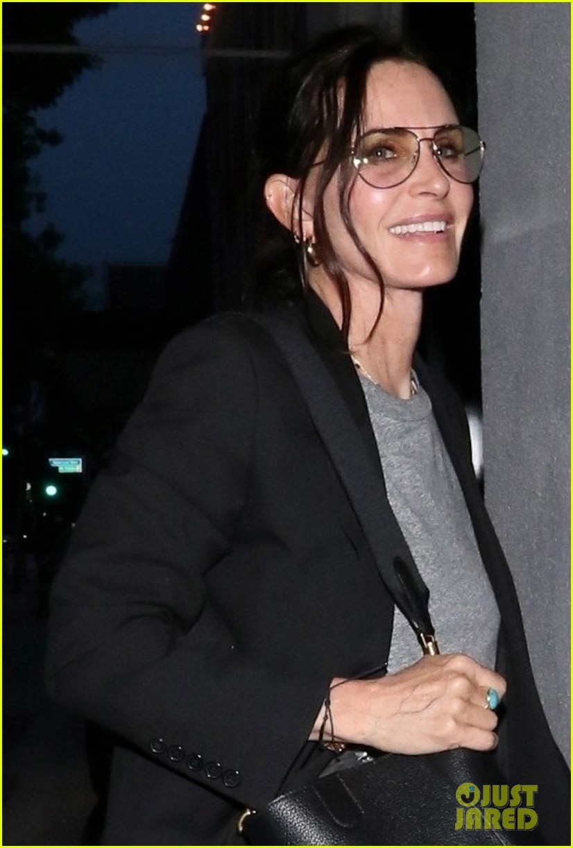 courteney cox and daughter coco spend spring break in the bahamas 044268206