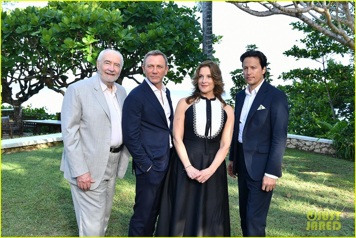 daniel craig bond 25 team celebrate film launch in jamaica 234277559