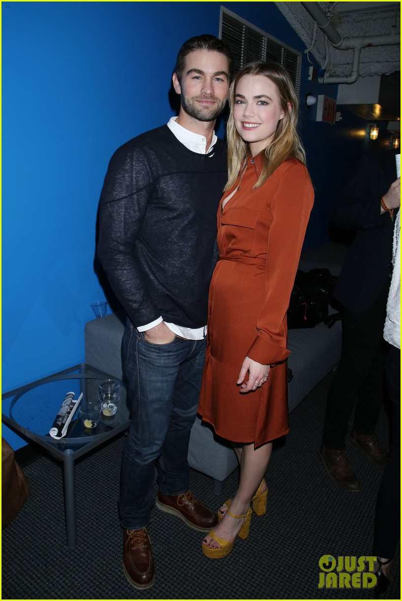 chace crawford splits from rebecca rittenhouse 01