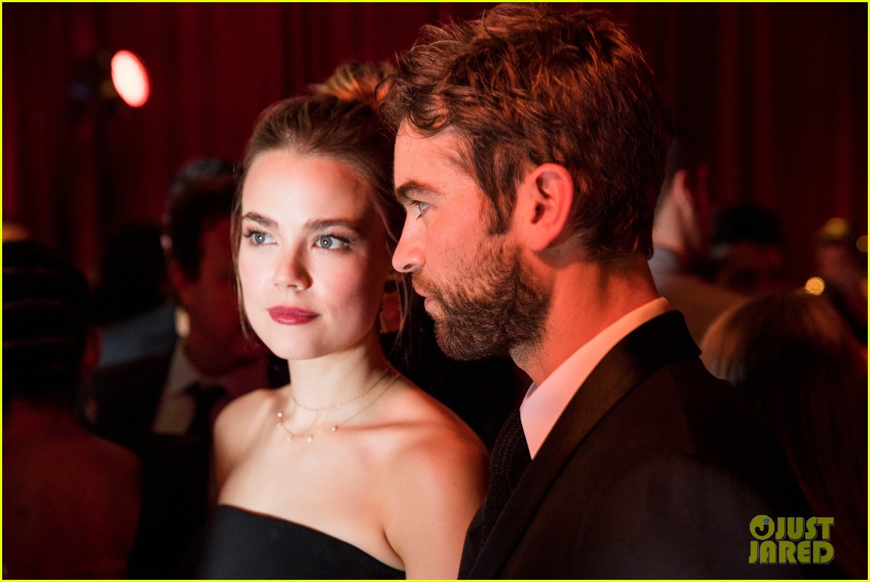 chace crawford splits from rebecca rittenhouse 02