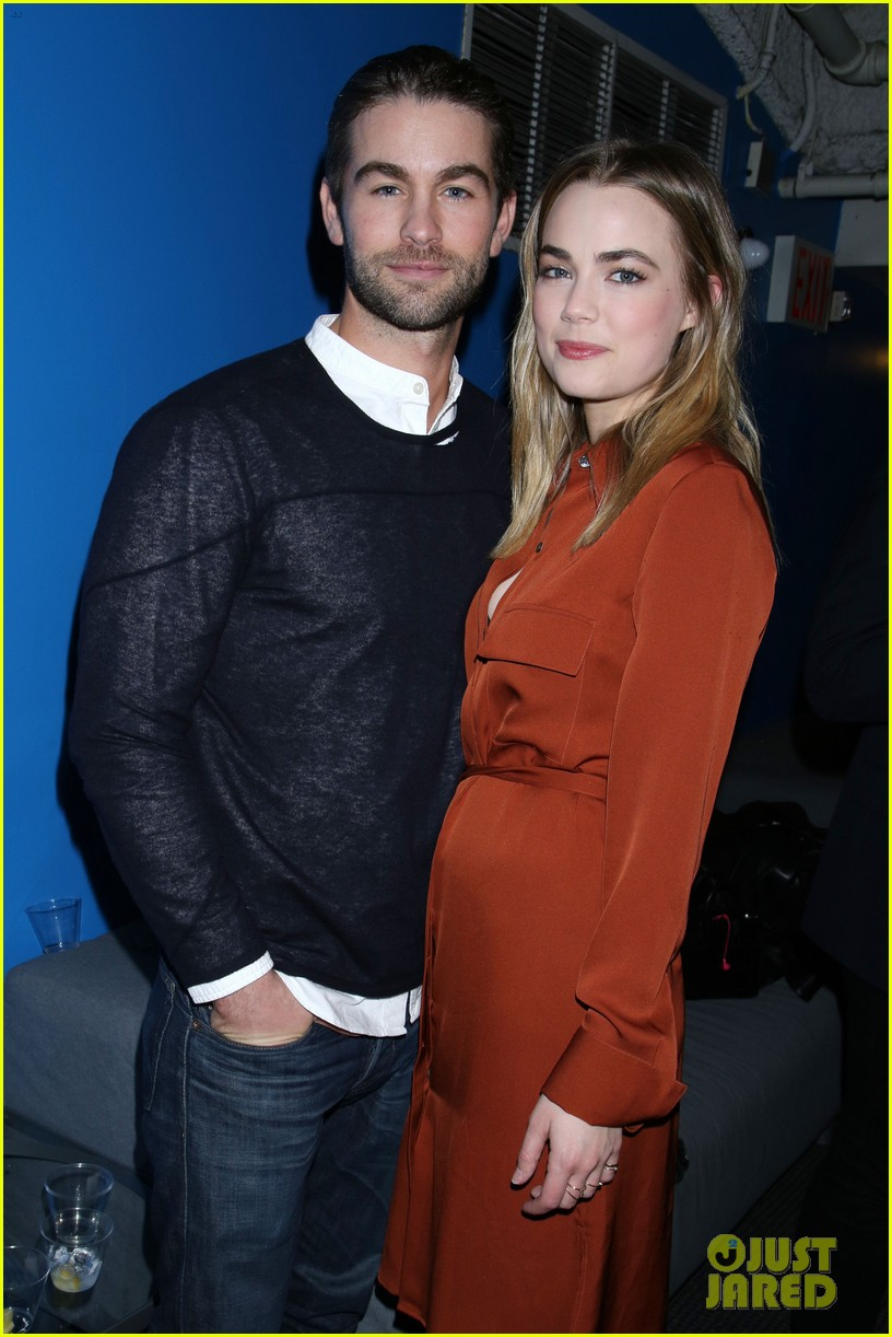 chace crawford splits from rebecca rittenhouse 05