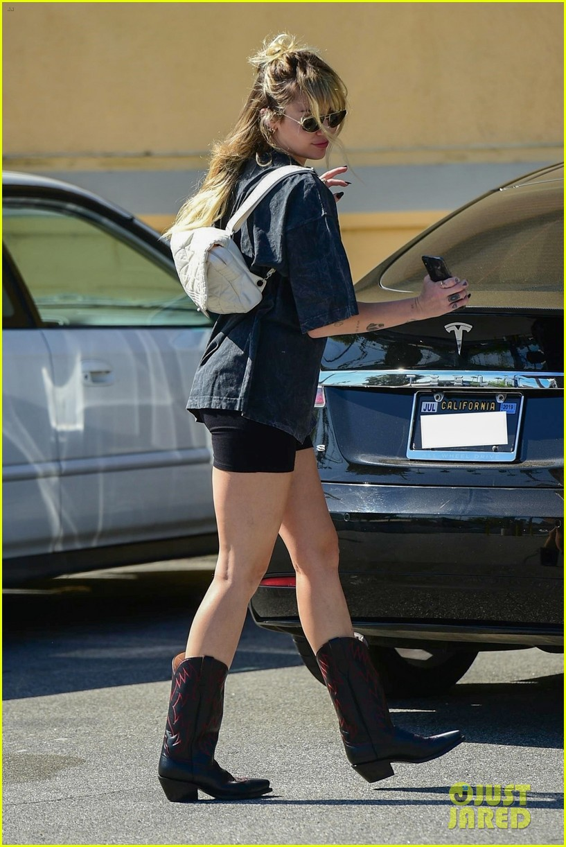 miley cyrus does a little dance while out in studio city 02