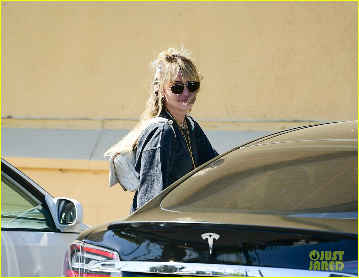 miley cyrus does a little dance while out in studio city 03