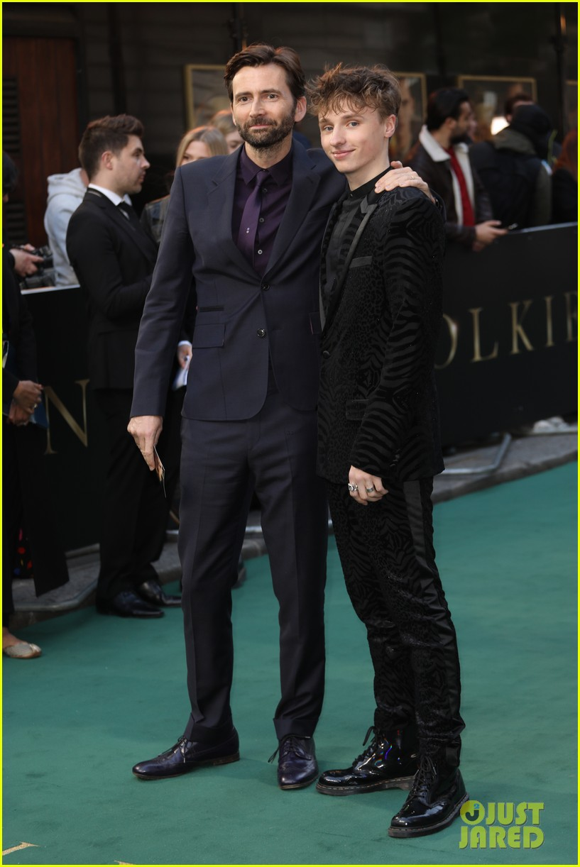 david tennant supports son ty at tolkein premiere 01
