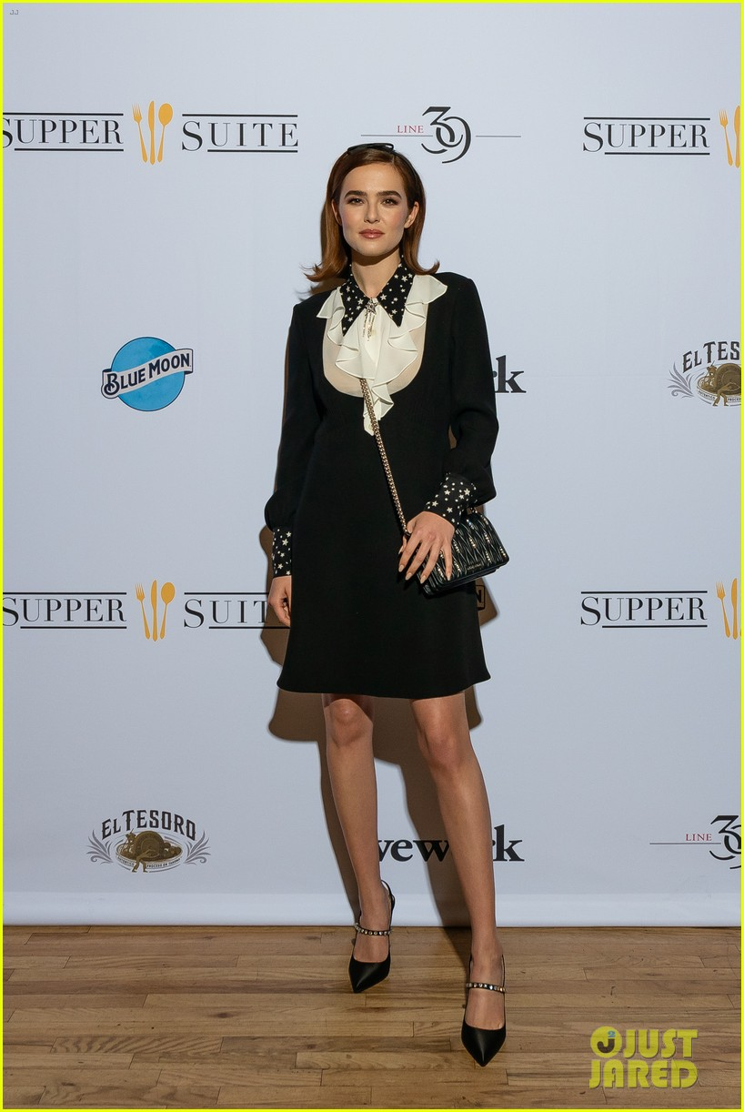 zoey deutch promotes new movie buffaloed at tribeca film festival 114279010
