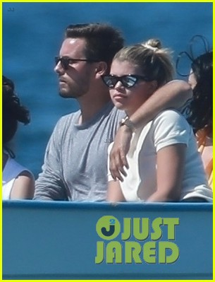 scott disick sofia richie jet off to cabo for romantic getaway 034275621