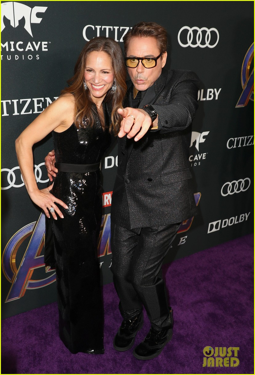 Robert Downey Jr Gwyneth Paltrow Bring Iron Man To Avengers