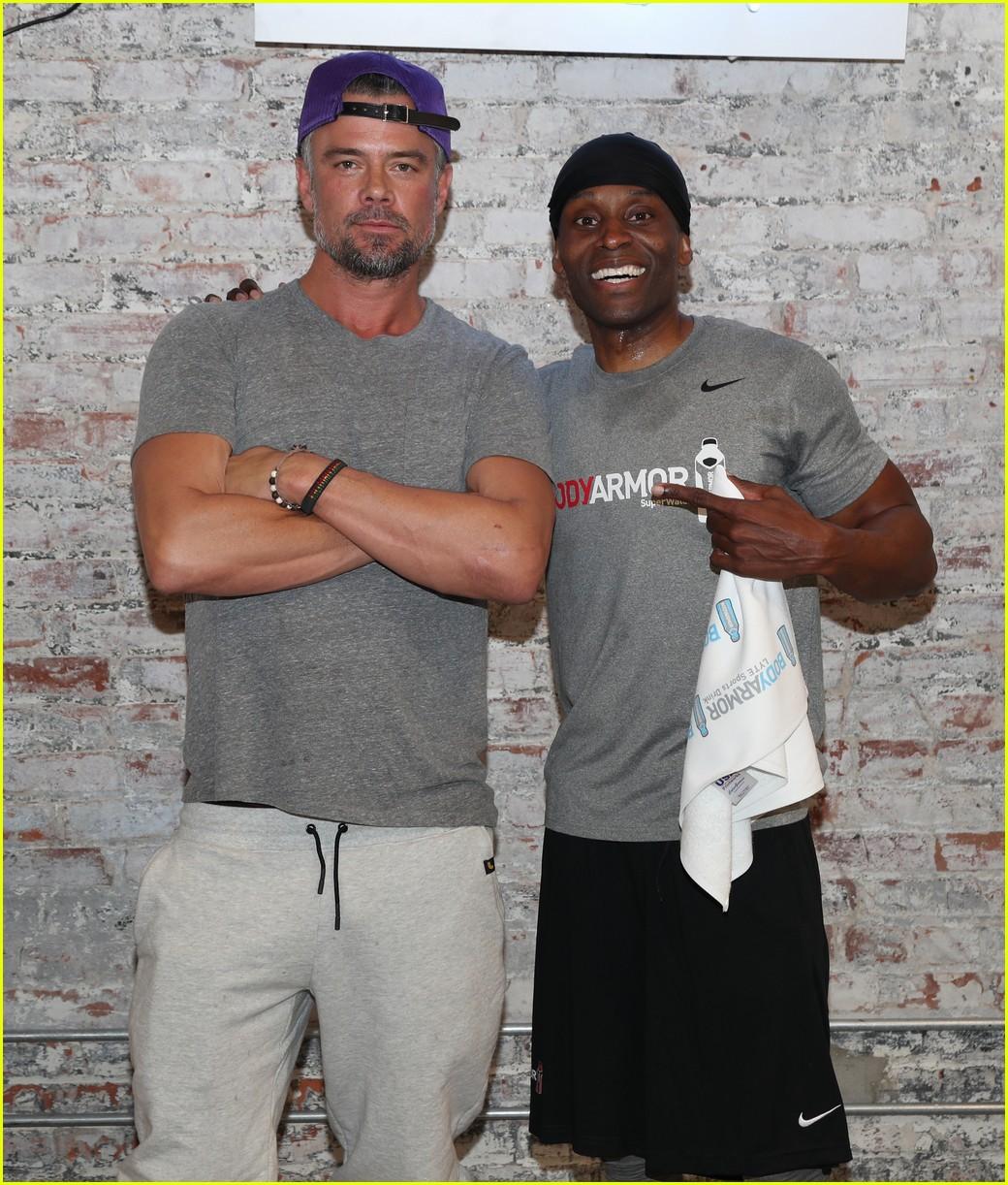 josh duhamel lyte up la fitness 04