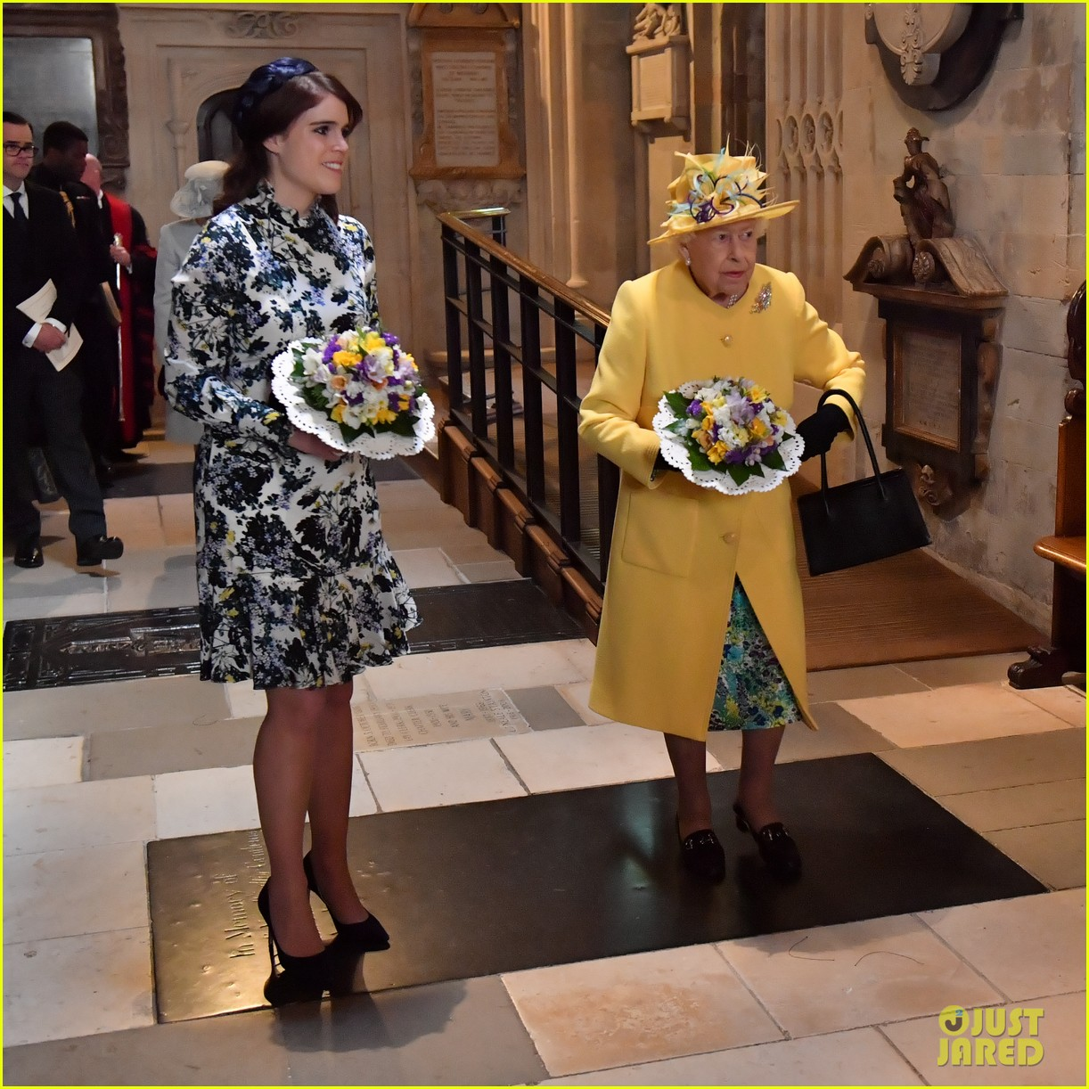 queen elizabeth joined by princess eugenie for easter coin ceremony 03