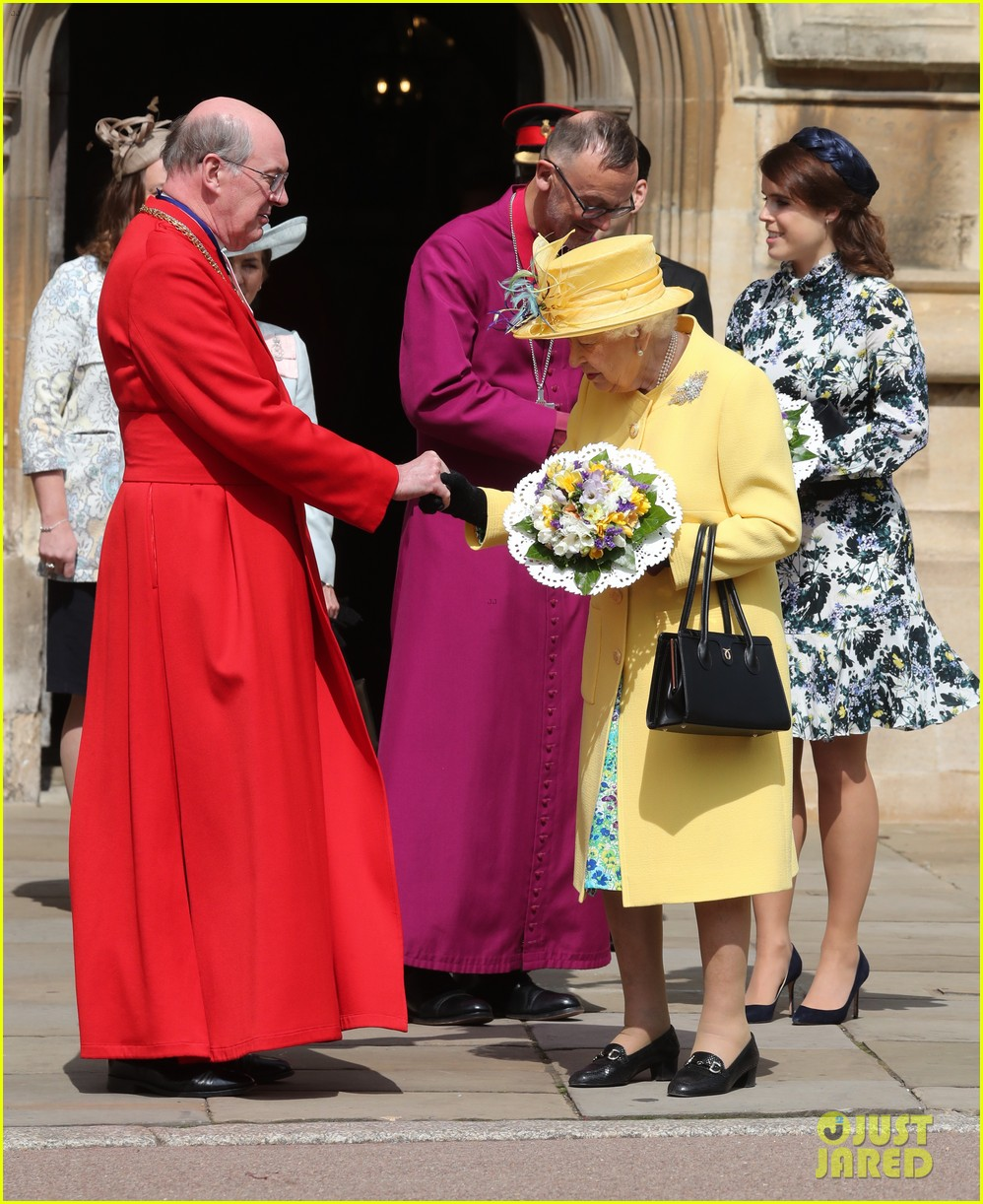 queen elizabeth joined by princess eugenie for easter coin ceremony 11