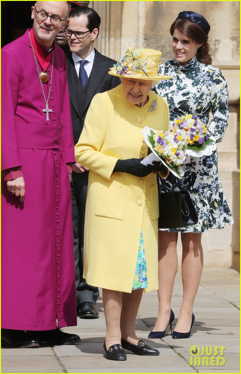 queen elizabeth joined by princess eugenie for easter coin ceremony 14