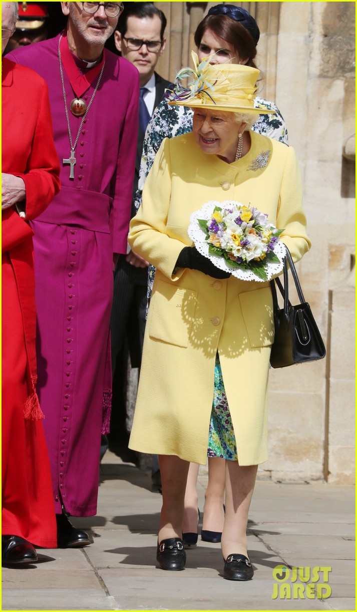 queen elizabeth joined by princess eugenie for easter coin ceremony 16