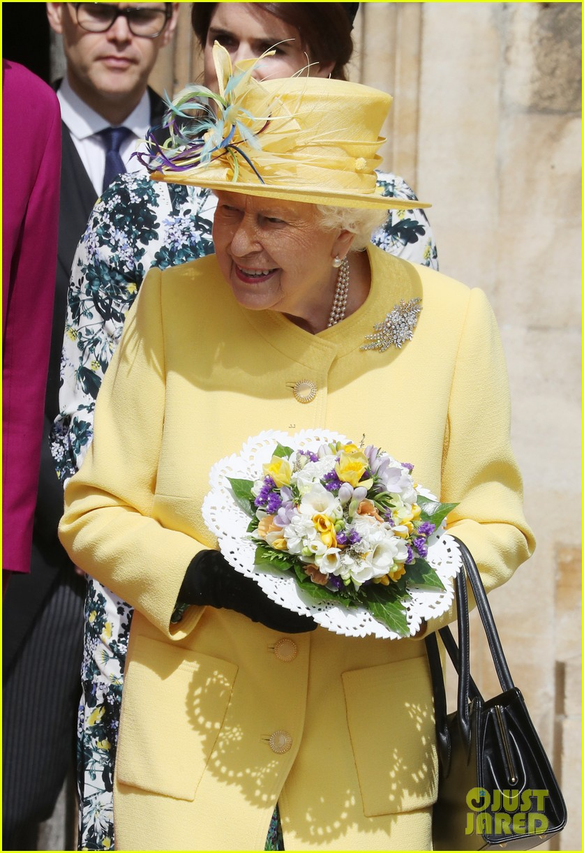 queen elizabeth joined by princess eugenie for easter coin ceremony 21