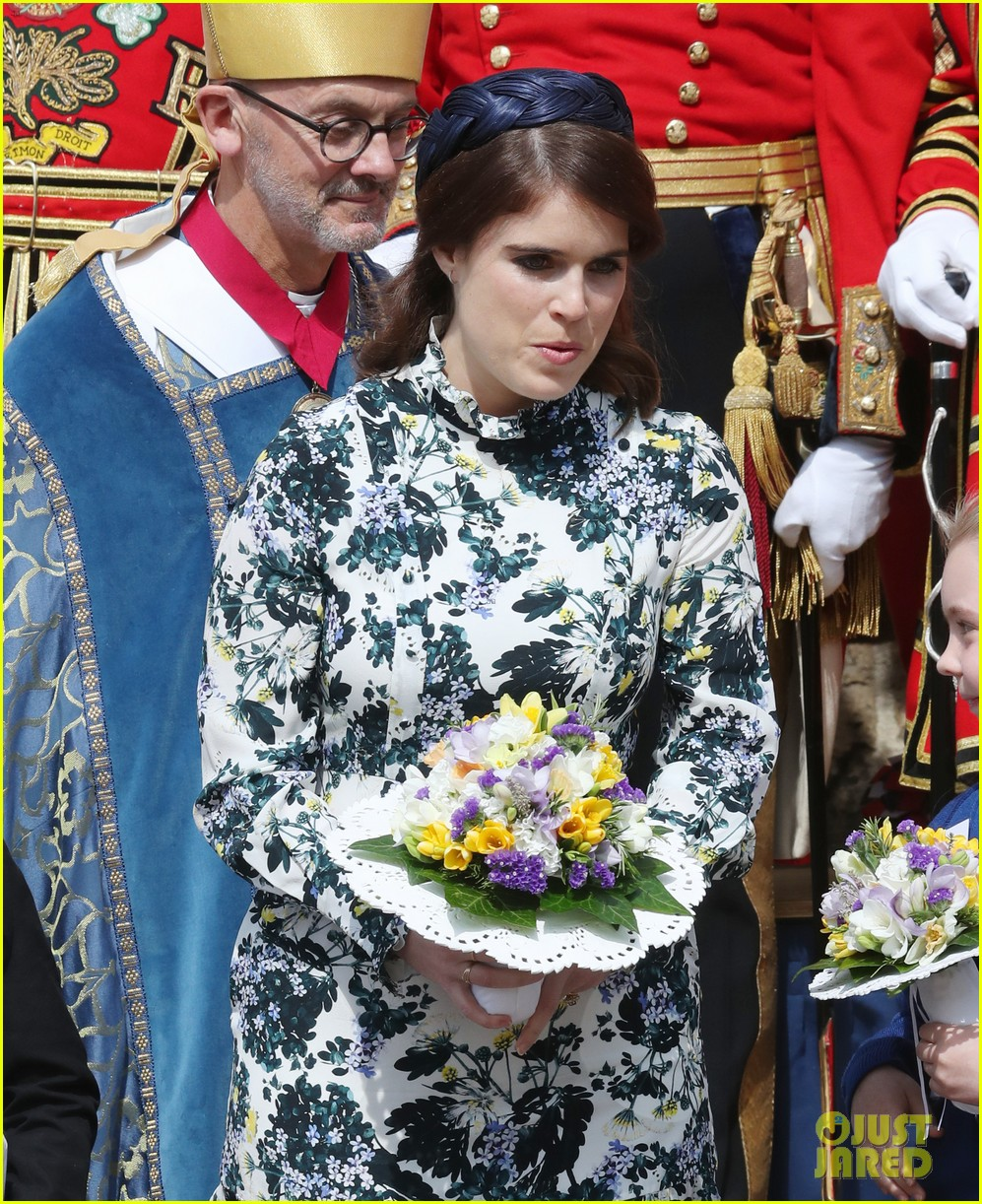 queen elizabeth joined by princess eugenie for easter coin ceremony 23