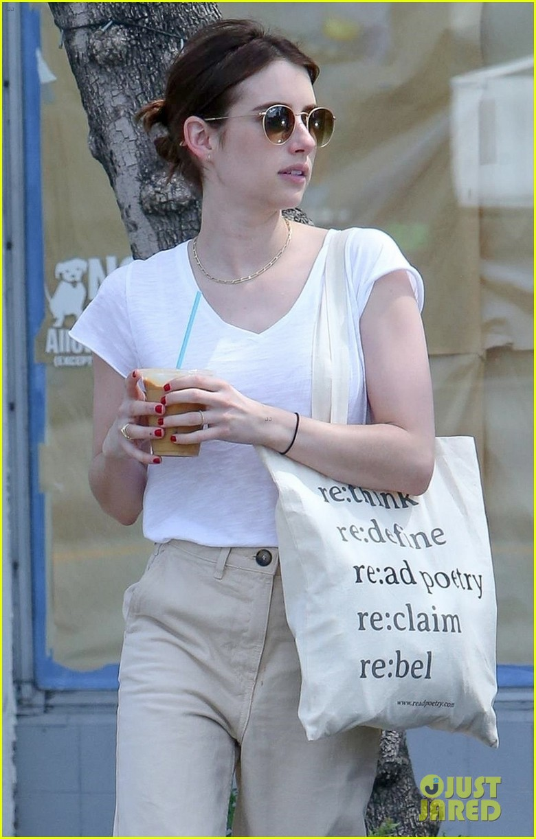 emma roberts meets up with darren criss for lunch 05