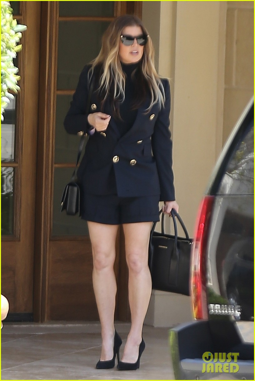 fergie heads to easter church service in la 01