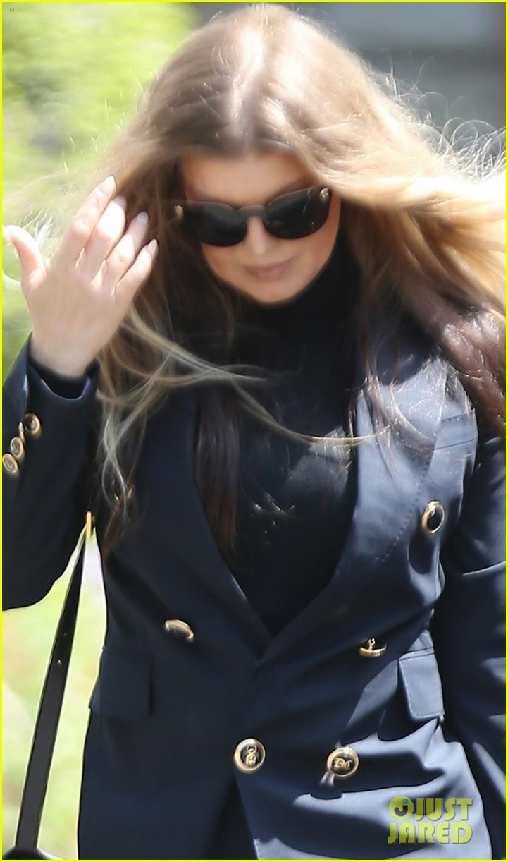 fergie heads to easter church service in la 02