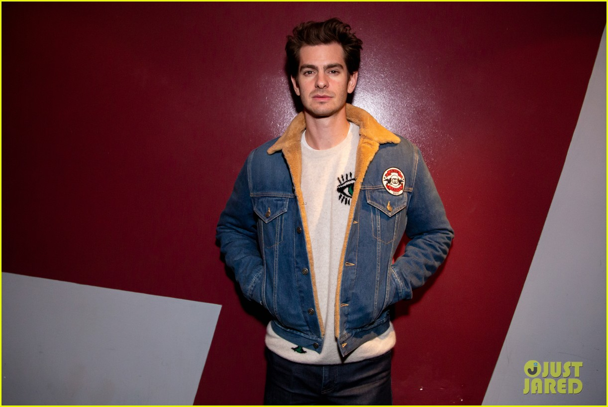 andrew garfield on straight actors taking lgbtq roles my job right now is to pay attention 01