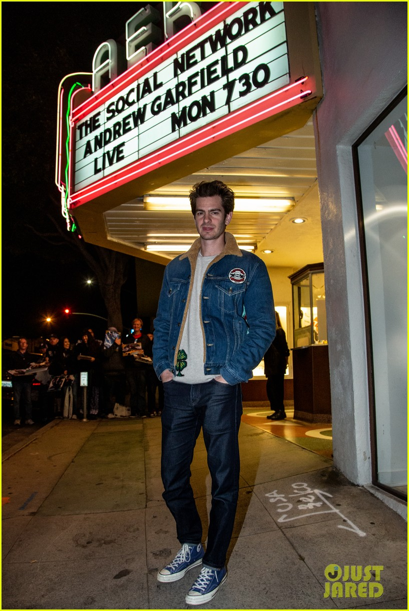 andrew garfield on straight actors taking lgbtq roles my job right now is to pay attention 02