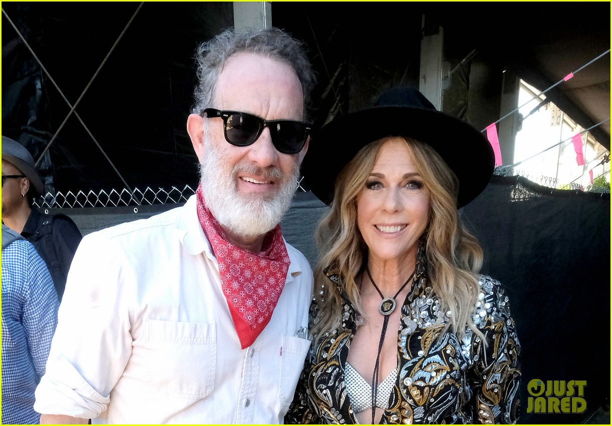 tom hanks supports rita wilson she performs at stagecoach 094278882