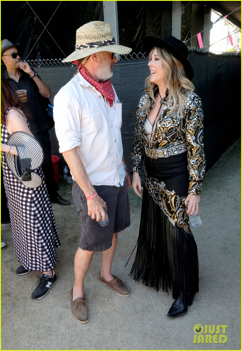 tom hanks supports rita wilson she performs at stagecoach 104278883