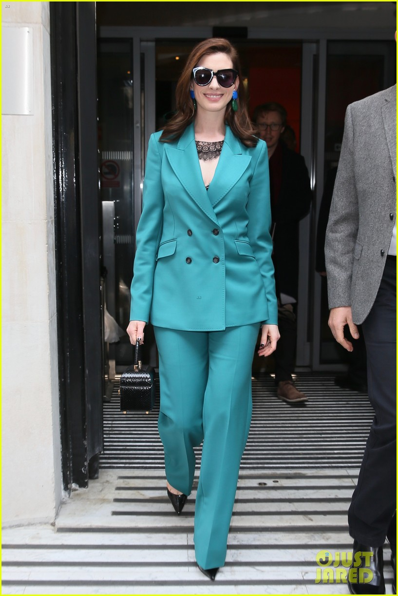 anne hathaway puts fun spin on traditional suit look 214274499