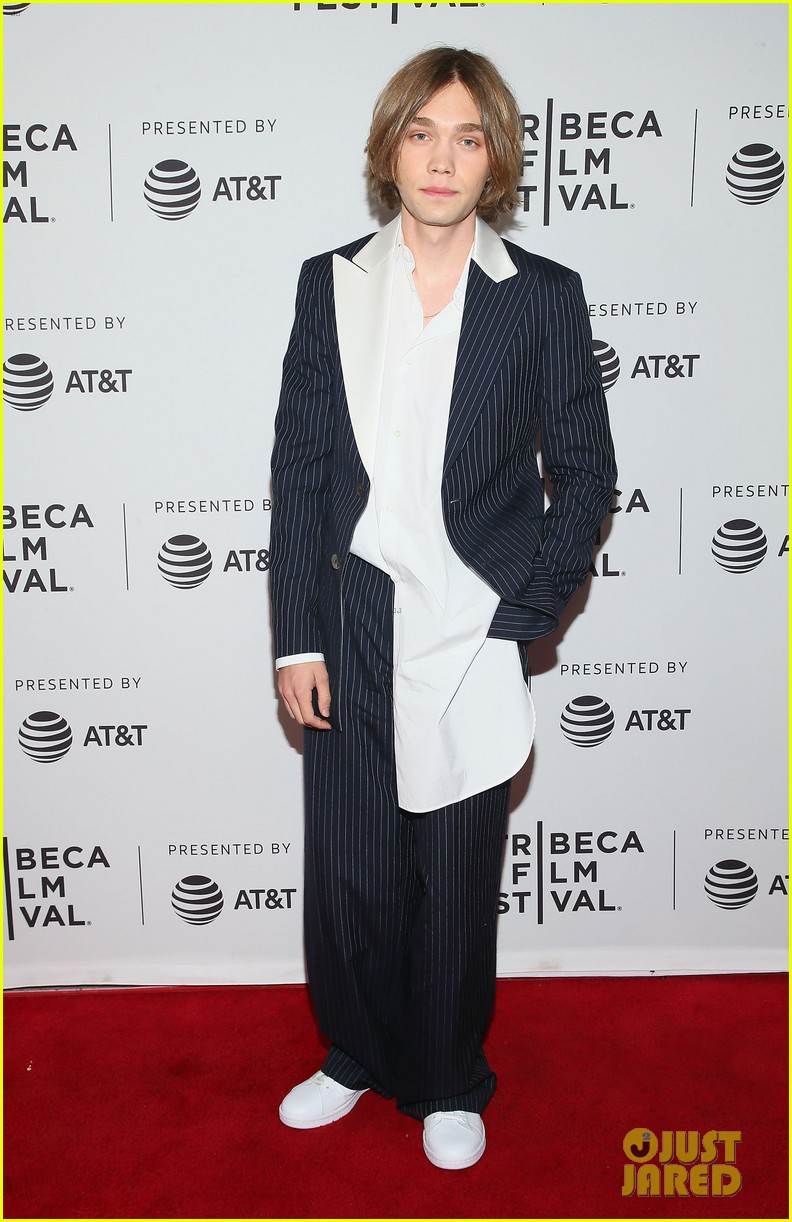 amber heard rocks edgy lace look for gully premiere at tribeca 054278678