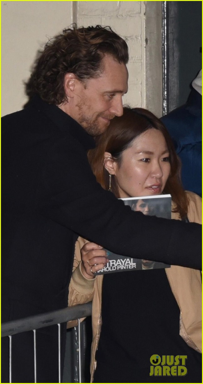 tom hiddleston heads home after betrayal performance 024275635