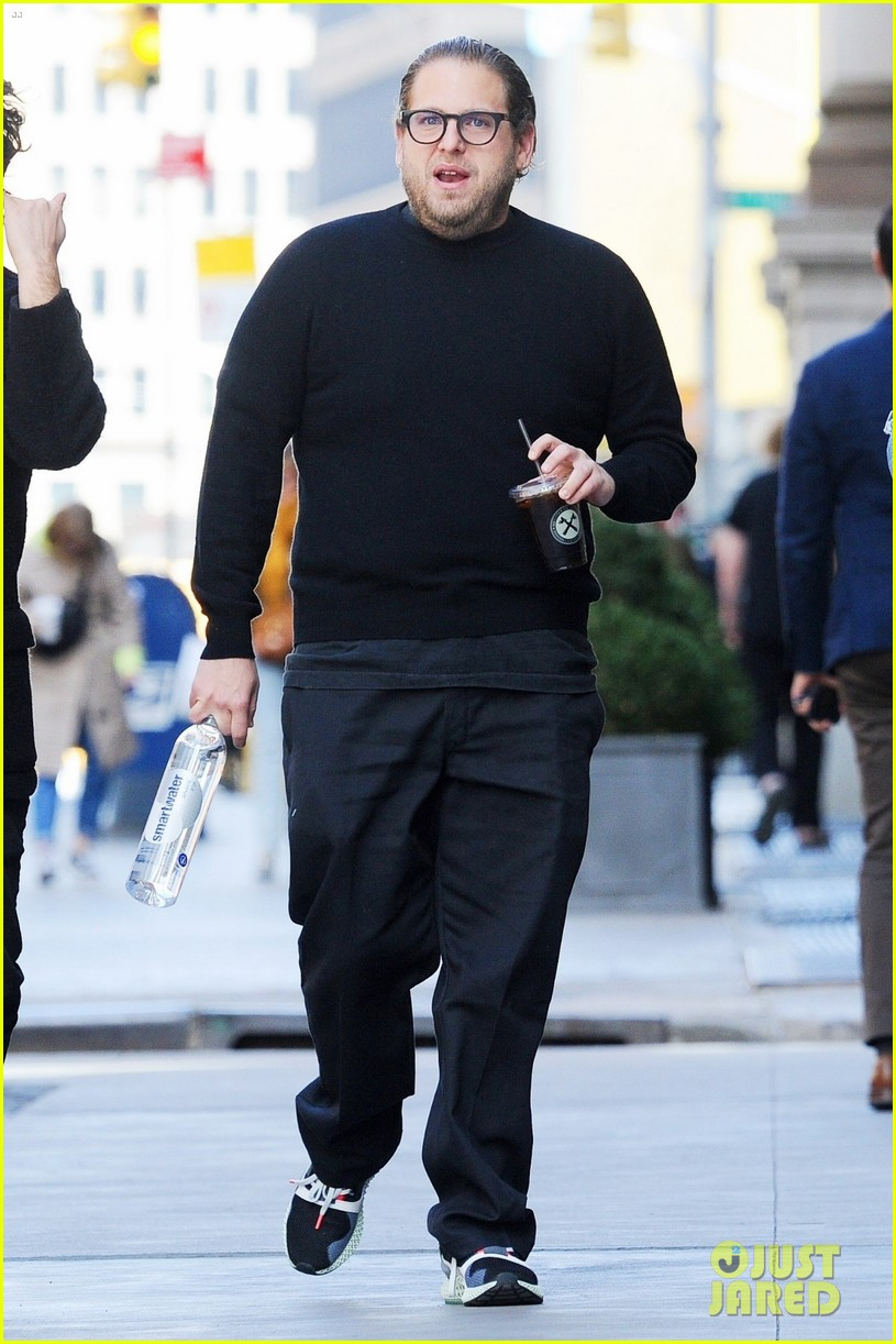 jonah hill grabs coffee with a friend in nyc 05