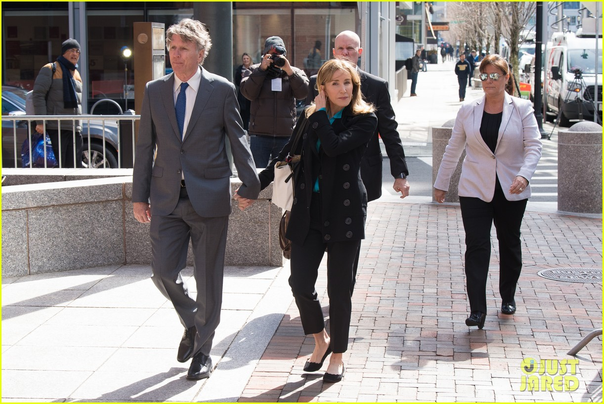 felicity huffman arrives court boston 04