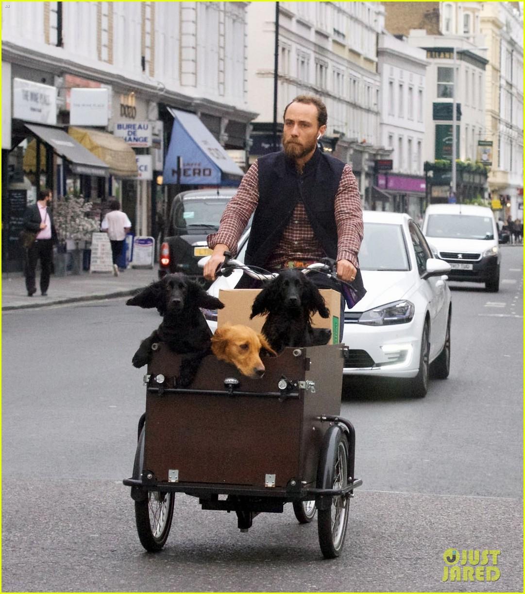 james middleton takes dogs for bike ride 01