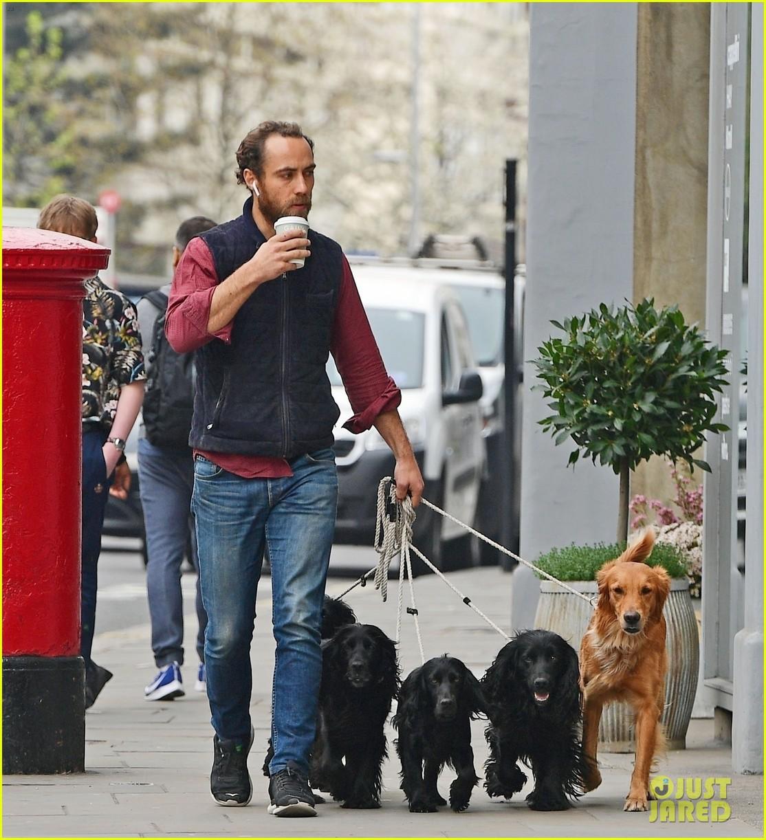 james middleton takes dogs for bike ride 04