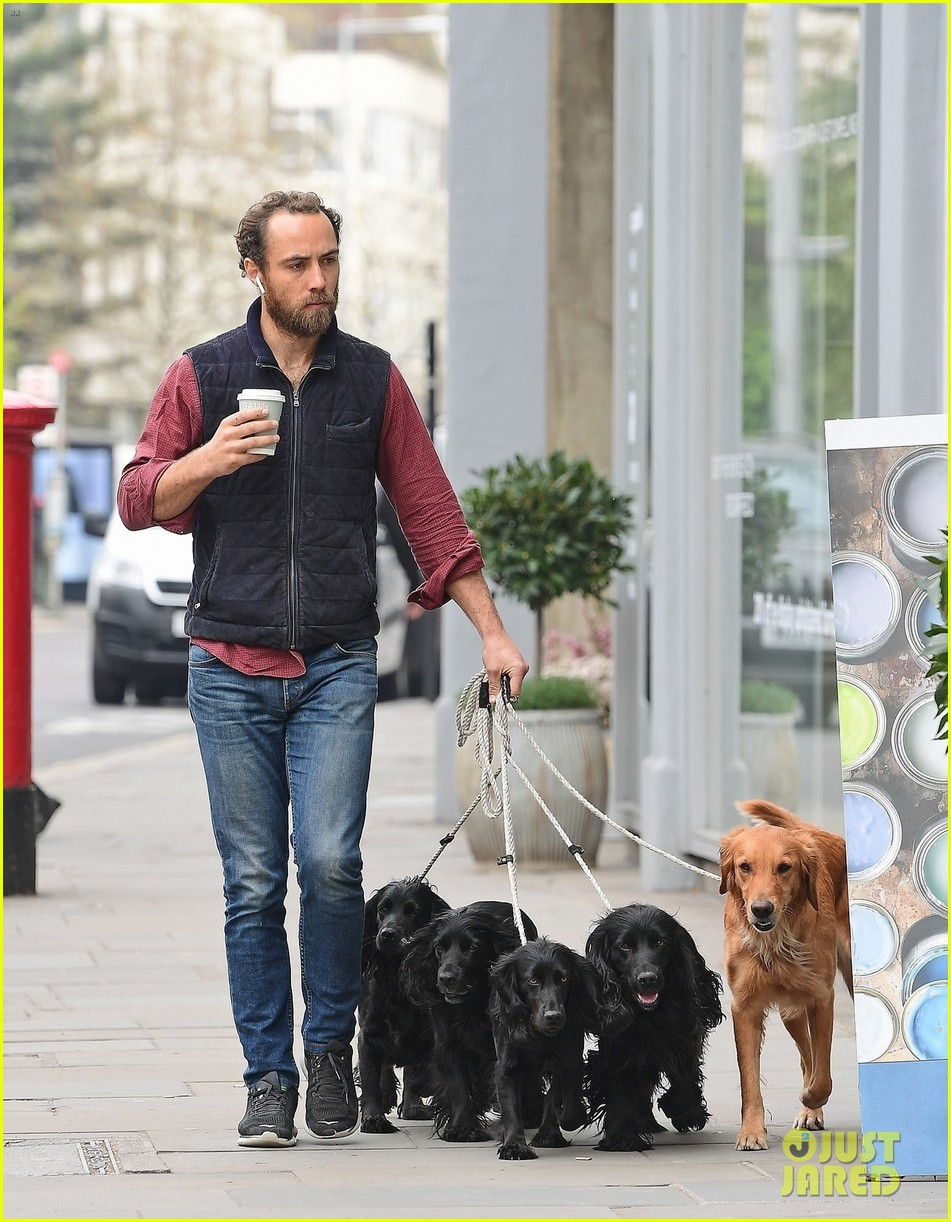 james middleton takes dogs for bike ride 07