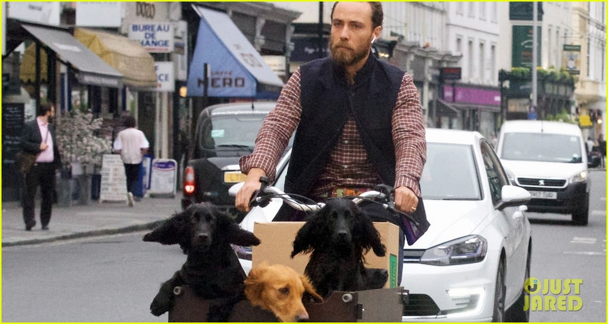 james middleton takes dogs for bike ride 09