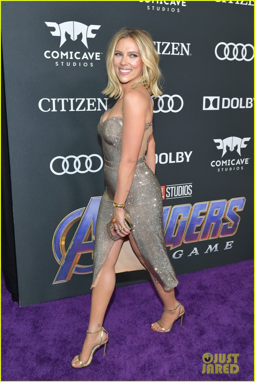 Scarlett Johansson Gets Support From Colin Jost At Avengers Endgame Premiere Photo 4276184 Avengers Colin Jost Scarlett Johansson Pictures Just Jared