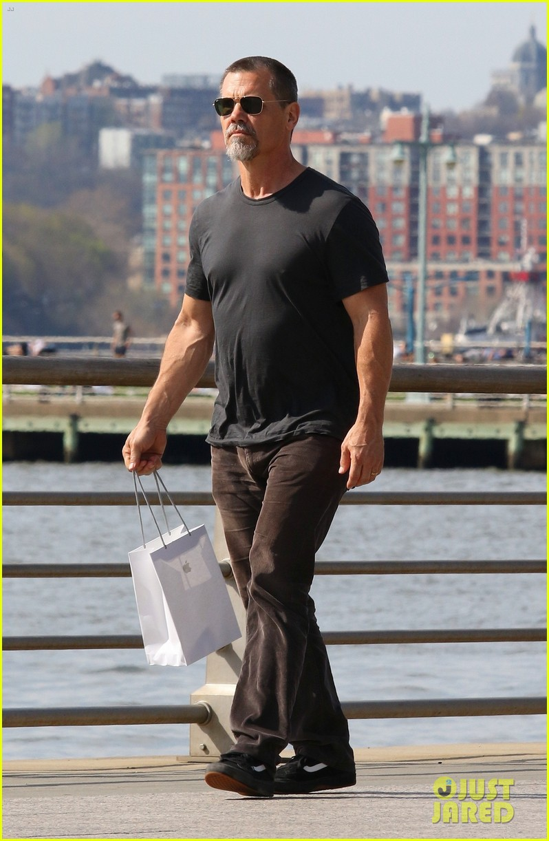 josh brolin nyc april 2019 01