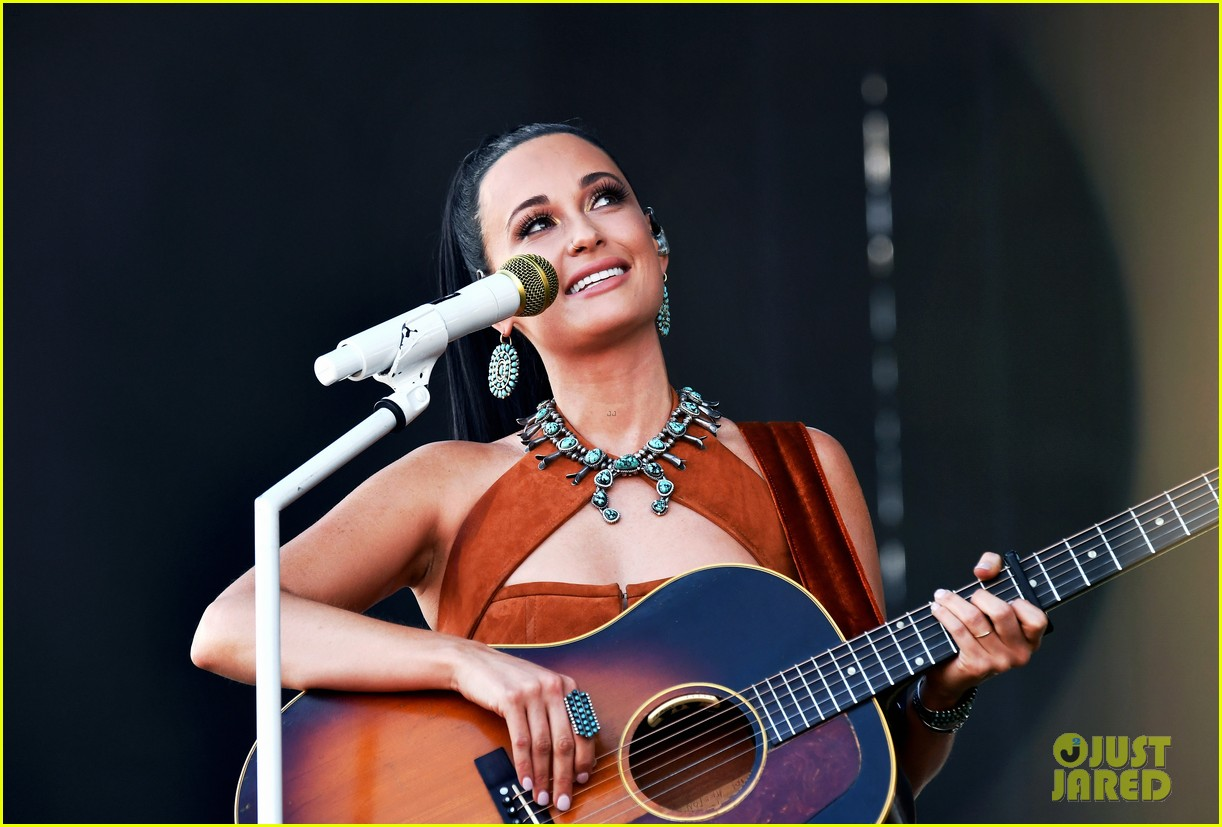 kacey musgraves takes stage coachella 2019 weekend 2 09