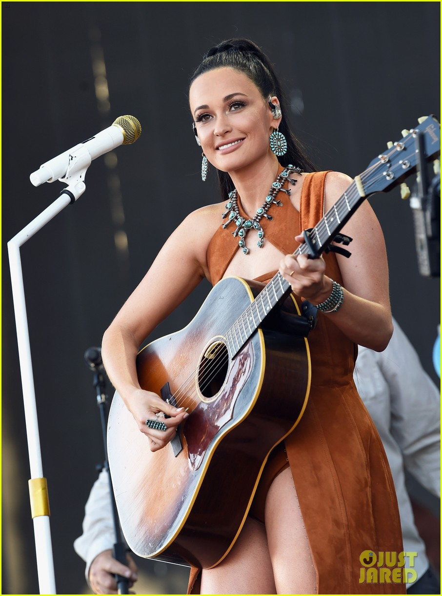 kacey musgraves takes stage coachella 2019 weekend 2 11