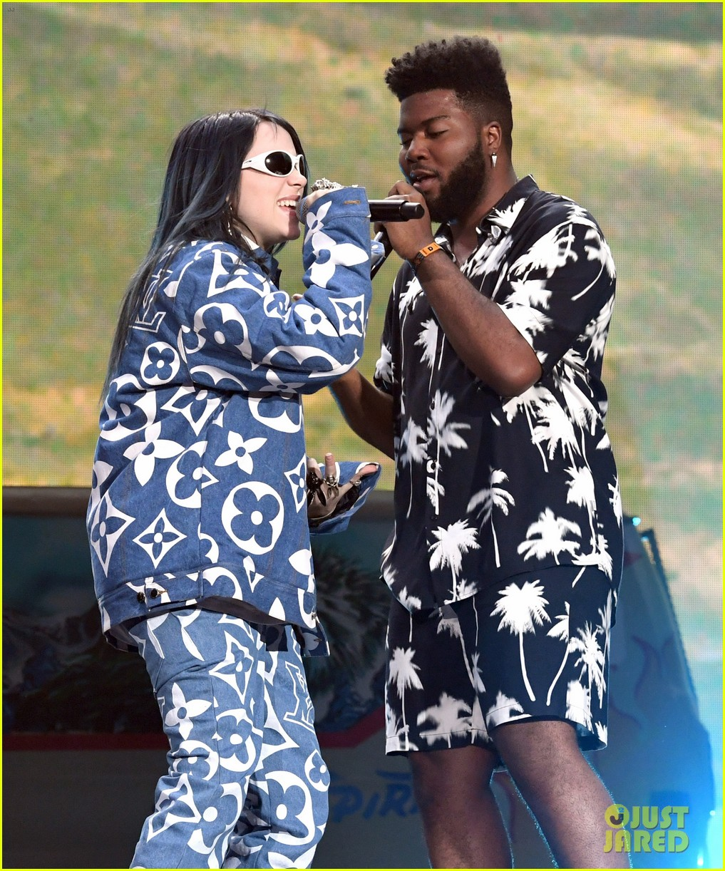 khalid brings out famous friends for coachella set 044273100