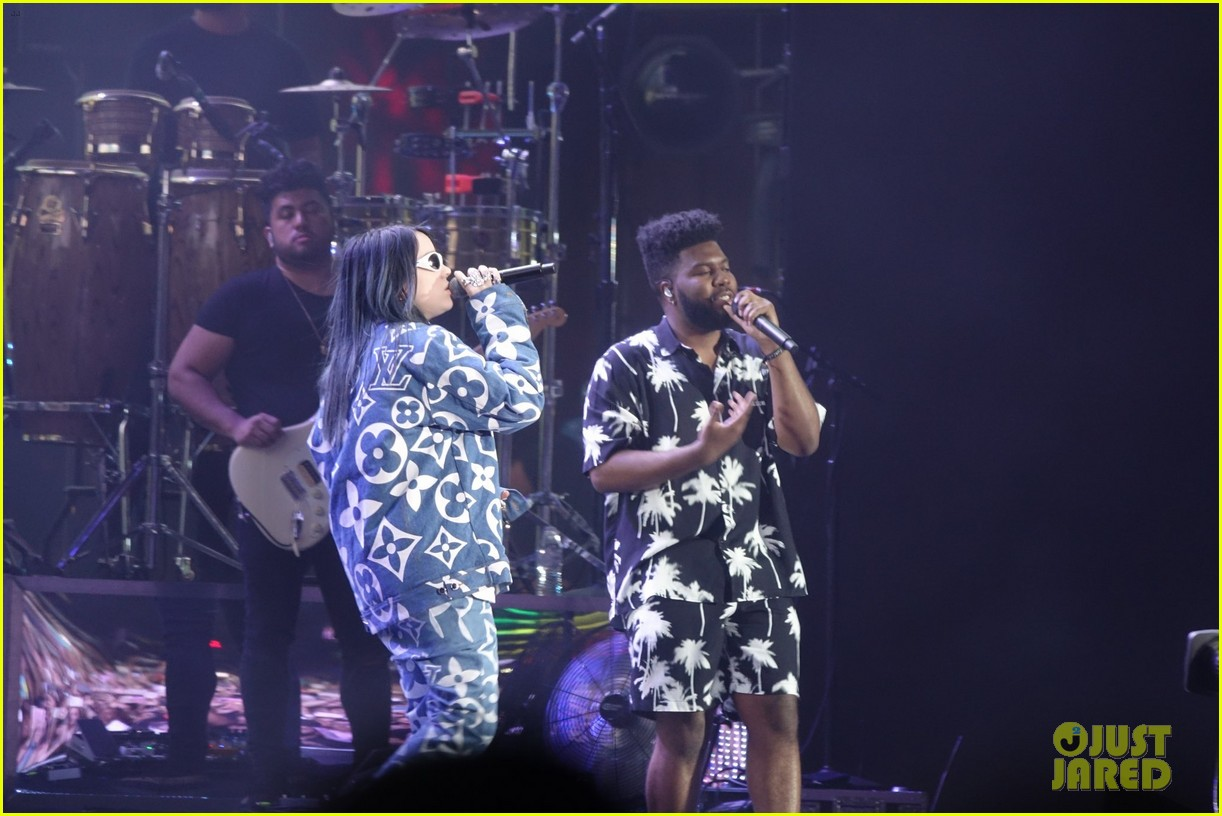 khalid brings out famous friends for coachella set 174273113