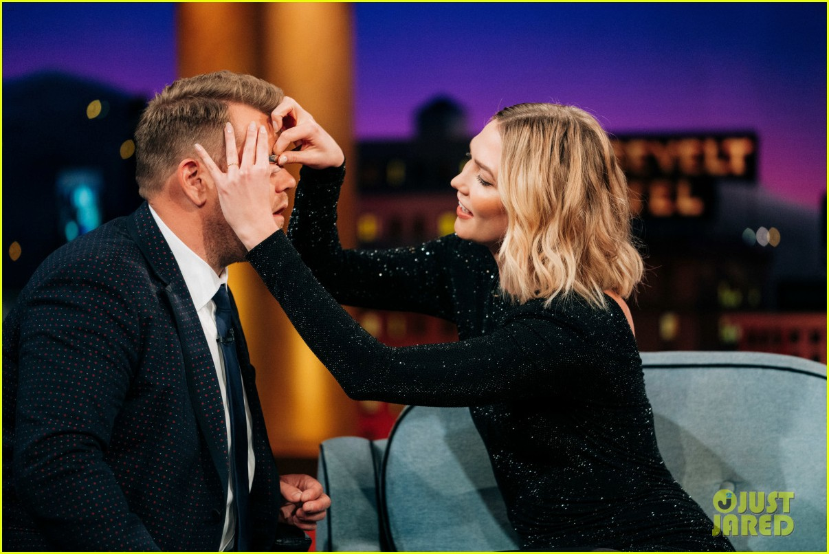 karlie kloss reveals her best beauty hack on late late show 04