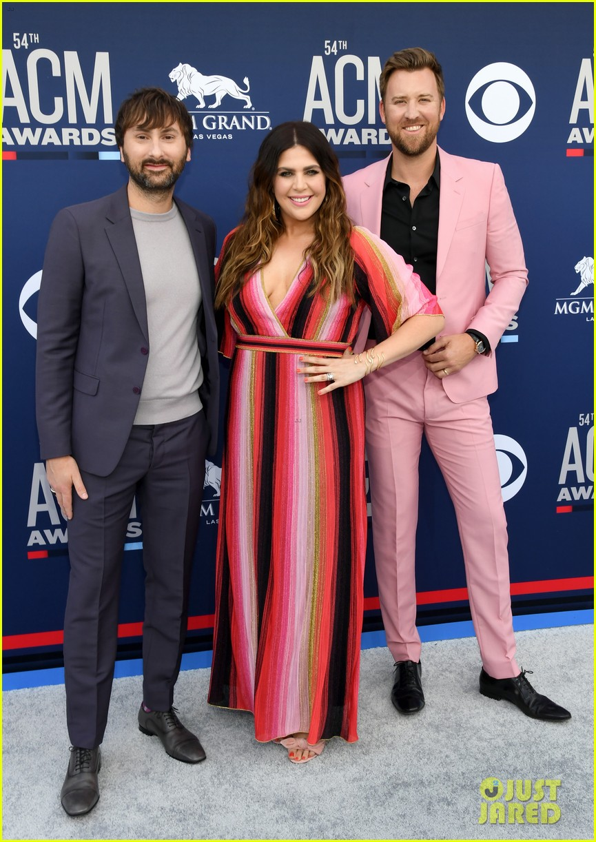 lady antebellum brighten up carpet at acm awards 2019 02